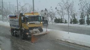 Büyükşehir, 371 araç ve bin 658 personelle karla mücadele ediyor