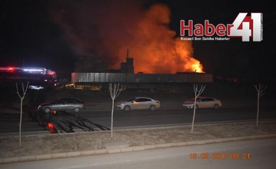 Gebze Kirazpınar'da Korkutan Yangın