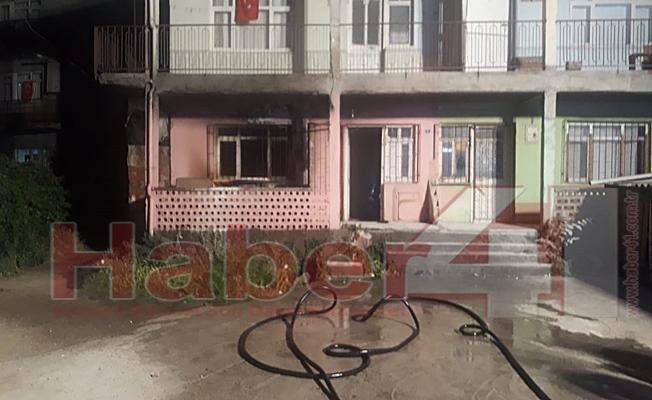 Gebze'de iki katlı evde çıkan yangın korkuttu!