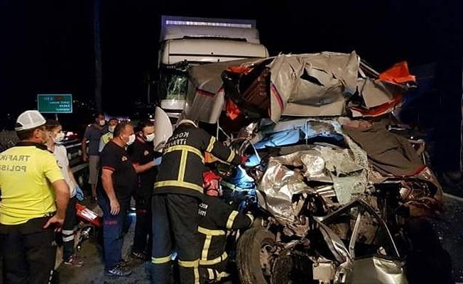 TEM otoyolunda zincirleme kaza:1 ölü 2 yaralı