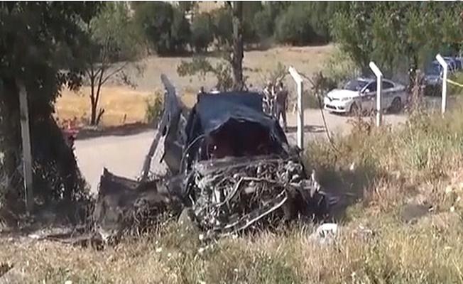 Virajı alamayan araç şarampole uçtu:1 ölü 2 yaralı