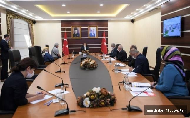 """Vali Seddar Yavuz, """"Halk Günü"""" Toplantısında Vatandaşların Sorun, Şikâyet ve Taleplerini Dinledi"""