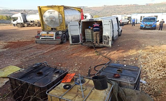 Gebze'de tonlarca kaçak akaryakıt ele geçirildi!