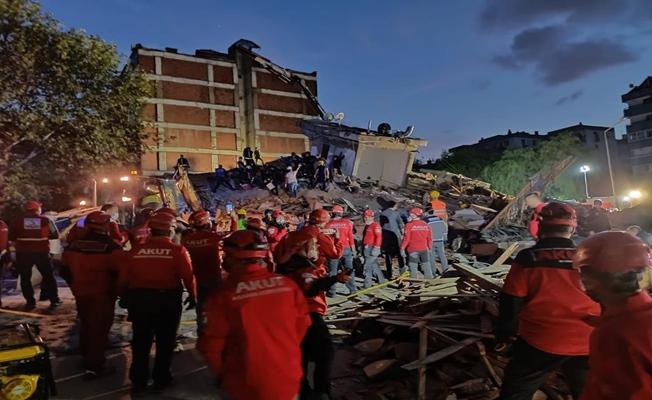 İzmir depreminde ölü sayısı 12'ye, yaralı sayısı 419'a yükseldi
