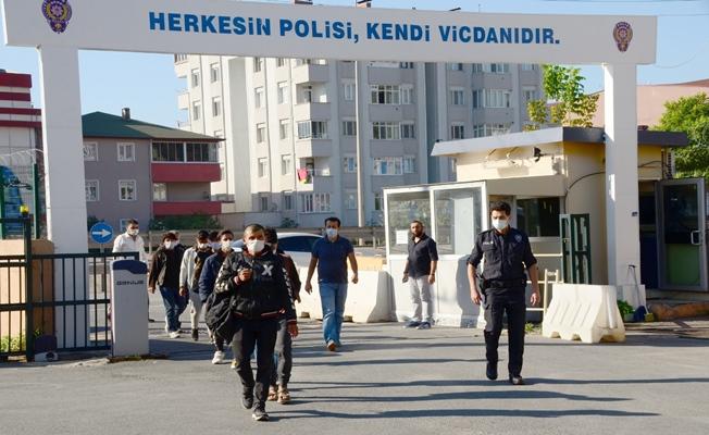 Kaçak göçmenlerin yolculuğu Kocaeli'ye kadar!