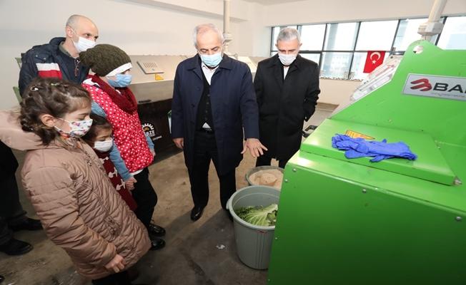 Başkan Büyükgöz çevreci tesisi öğrencilere tanıttı
