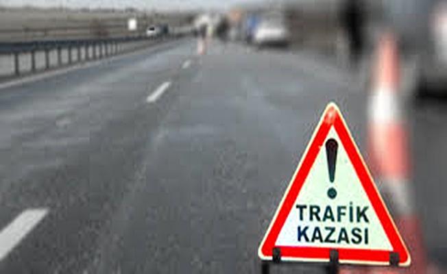 Kavşakta meydana gelen kazada 4 kişi yaralandı!