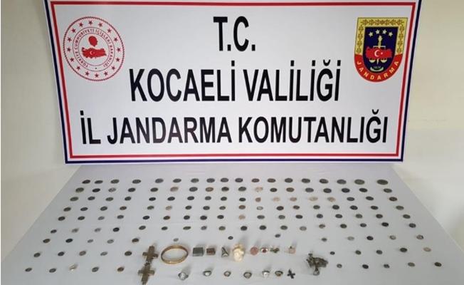 Kocaeli'de tarihi eser kaçakçıları yakalandı!