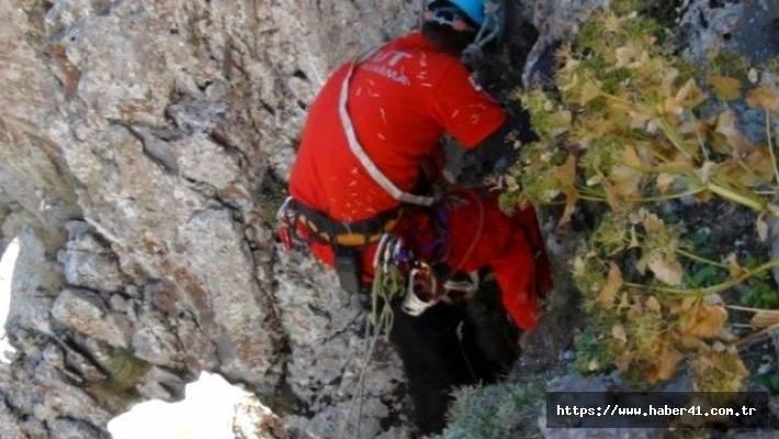 Kayalıklardan düşen kişi hayatını kaybetti !