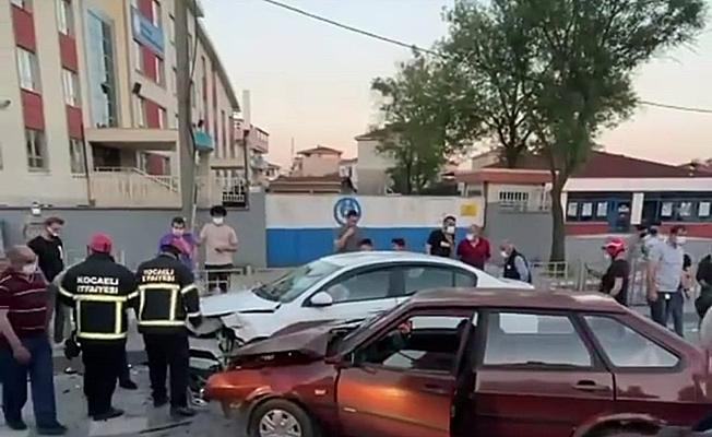 Virajı alamayan araç kazaya sebep oldu