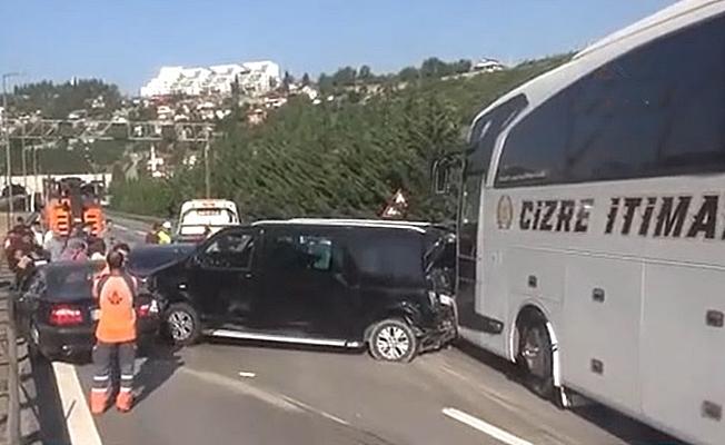 TEM'de zincirleme kaza; 4 yaralı!
