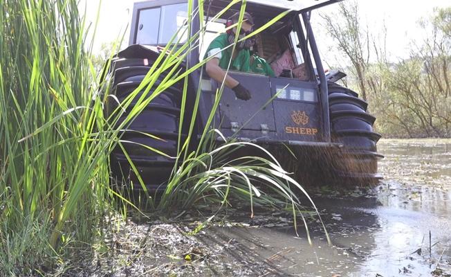 Büyükşehir'den amfibi araç ile daha etkili vektör mücadelesi