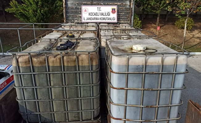Kocaeli'de bir kamyondan 6 ton kaçak akaryakıt çıktı!