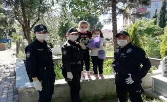 Çayırova'da Polisler çocukların gönlüne dokundu