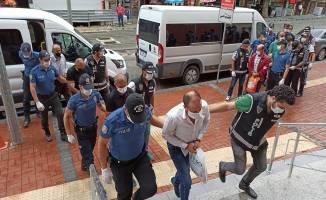 Akaryakıt kaçakçılığı yapan 10 kişi adliyeye sevk edildi