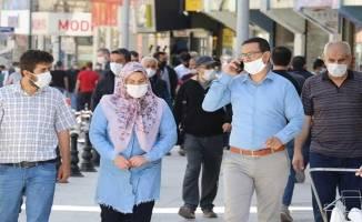 Maskesiz sokağa çıkmanın yasak olduğu il sayısı 42 oldu