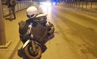 Otomobilin çarptığı motosikletli ağır yaralandı!