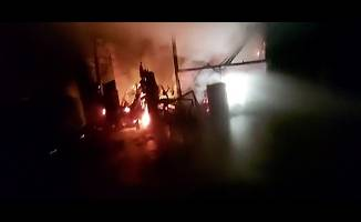 Lojmanda çıkan yangın fabrikaya sıçradı!