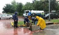 Büyükşehir ekipleri sel ve taşkınlara anında müdahale ediyor