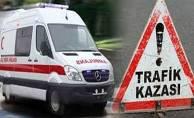 Otomobil otobüs durağına daldı: 4 yaralı!